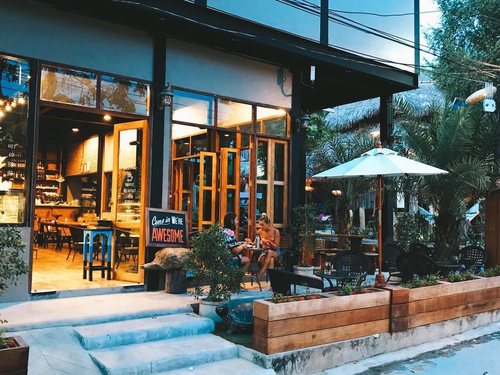 pajak bisnis cafe & resto